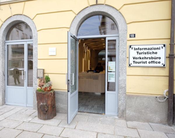 In Ufficio Turismo : Tirano boom di affluenze all ufficio turistico in anni